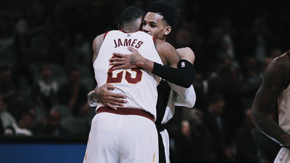 Dejounte Murray tweets photo of LeBron James in a Spurs jersey ...