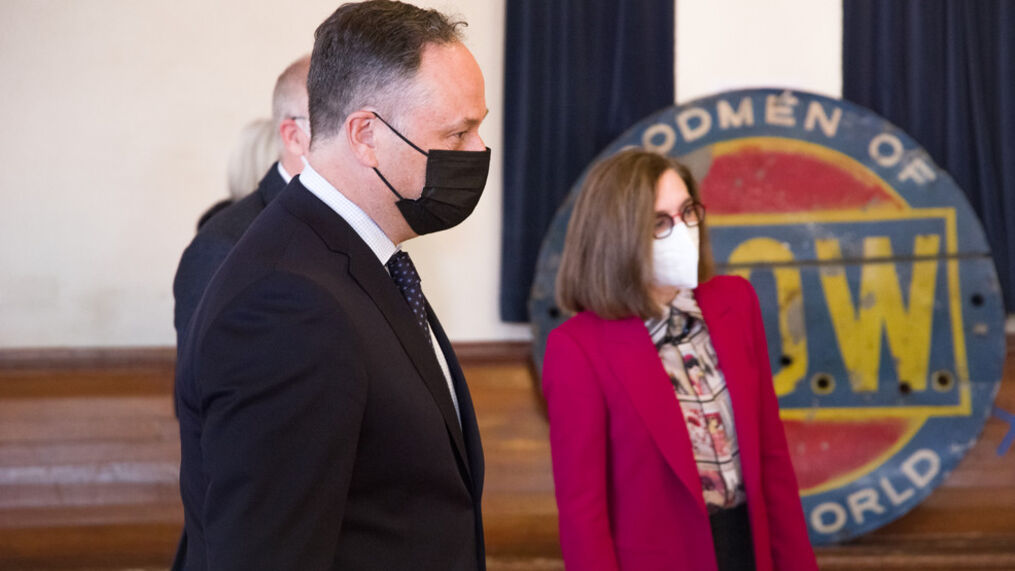 Douglas Emhoff, husband of Vice President Kamala Harris, visited the White Bird vaccination clinic in Eugene on Monday with Gov. Kate Brown andRep. Peter DeFazio. (Courtesy White Bird Clinic)