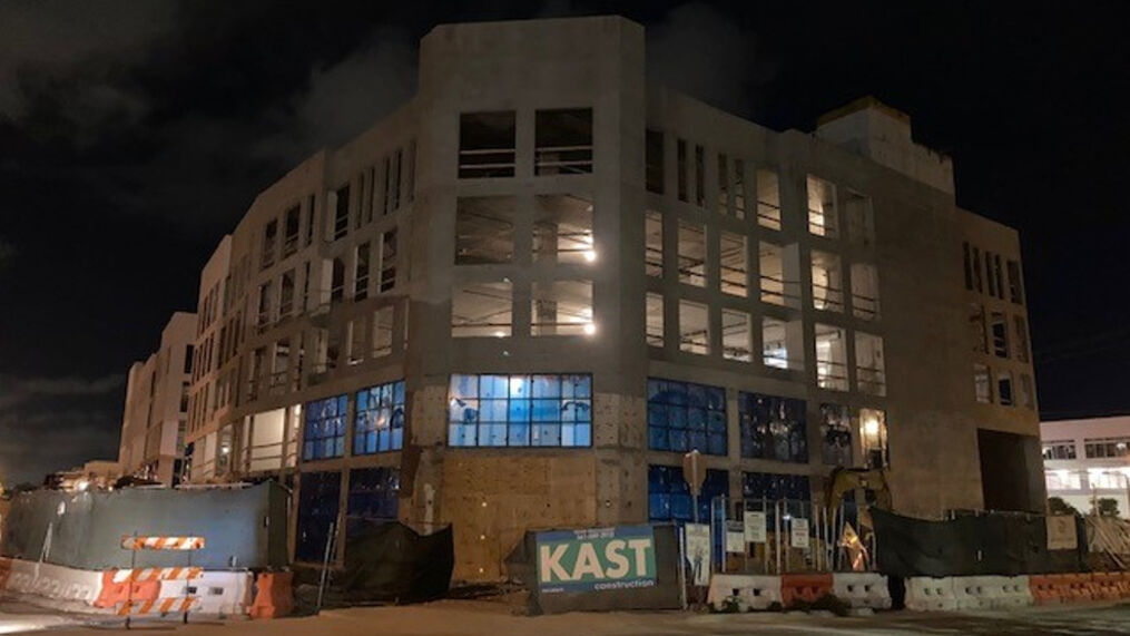 <p>The Delray Beach Market is expected to bring 200 permanent jobs to the downtown area. It will house 25 permanent vendors inside a 150,000 square foot building. (WPEC){/p}