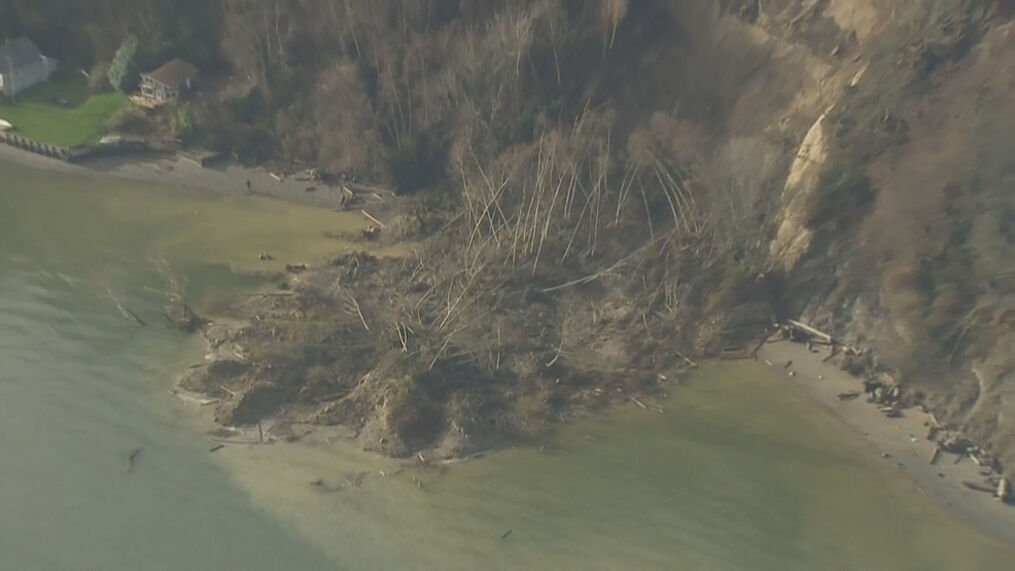 Large Mudslide Wipes Out Part Of Whidbey Island Hillside Komo