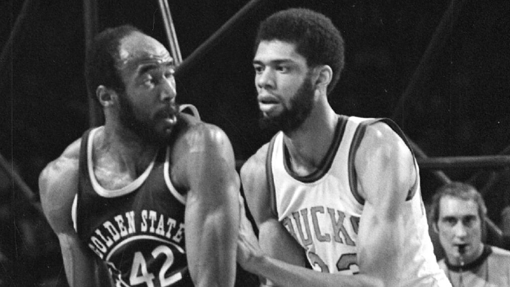 NBA great Nate Thurmond, Hall of Fame center, dies at 74 | WOAI
