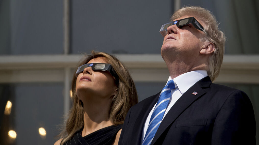 President Trump and first lady Melania watch eclipse from White House's  Truman Balcony | KATV