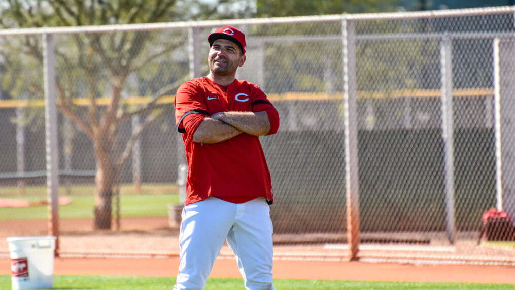 Votto returns to Reds camp, team makes cuts   WKRC