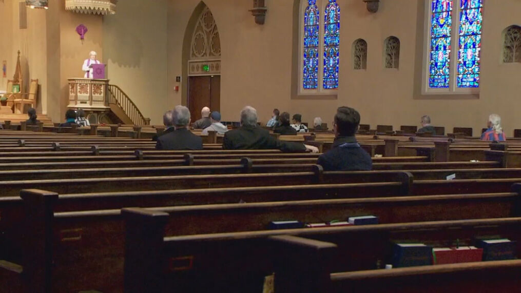 Portland churches and synagogues welcome congregations back | KATU