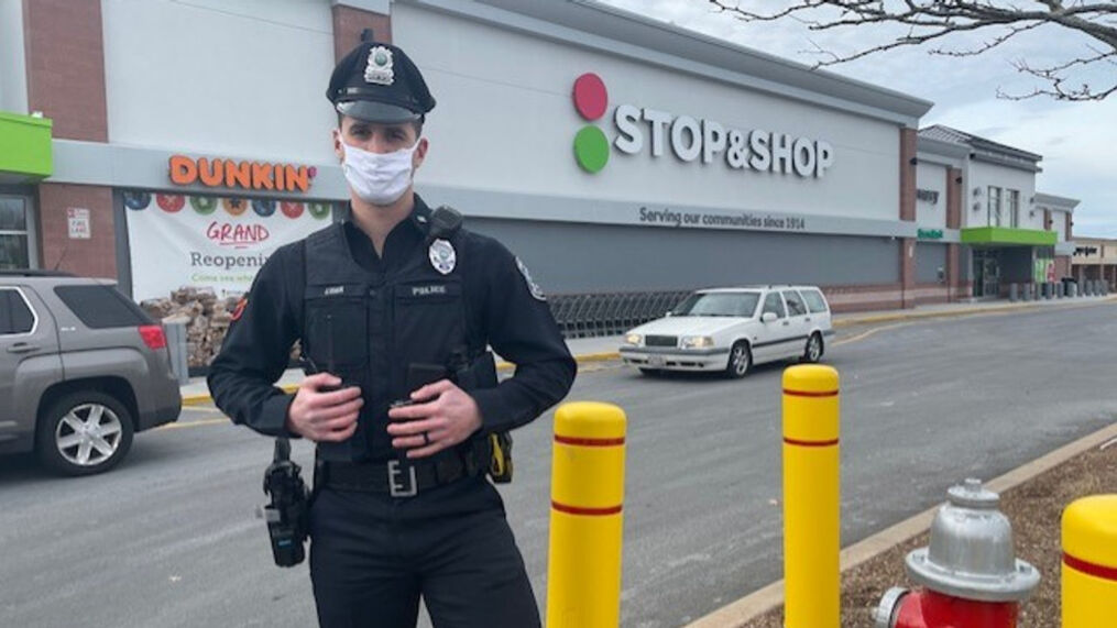 Somerset police officer pays for groceries of family in need following  shoplifting call | WJAR