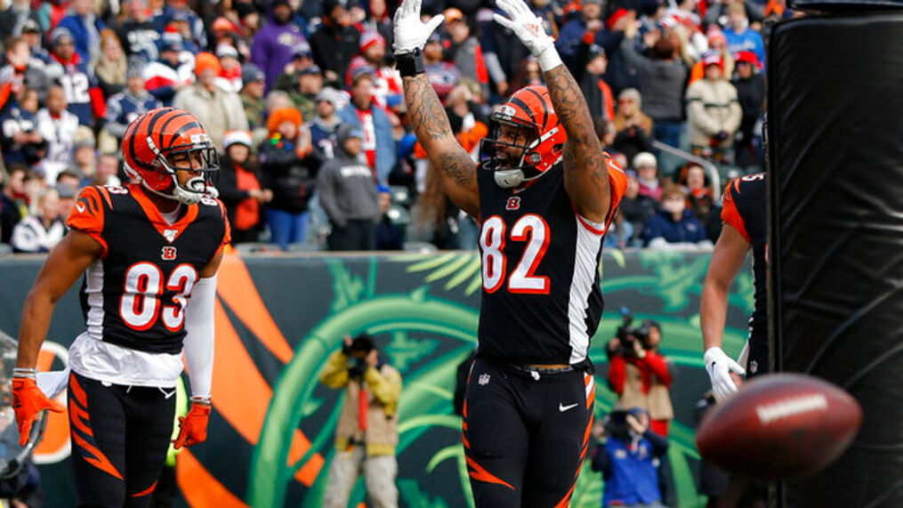Bengals re-sign tight end/special teams ace Carter | WKRC