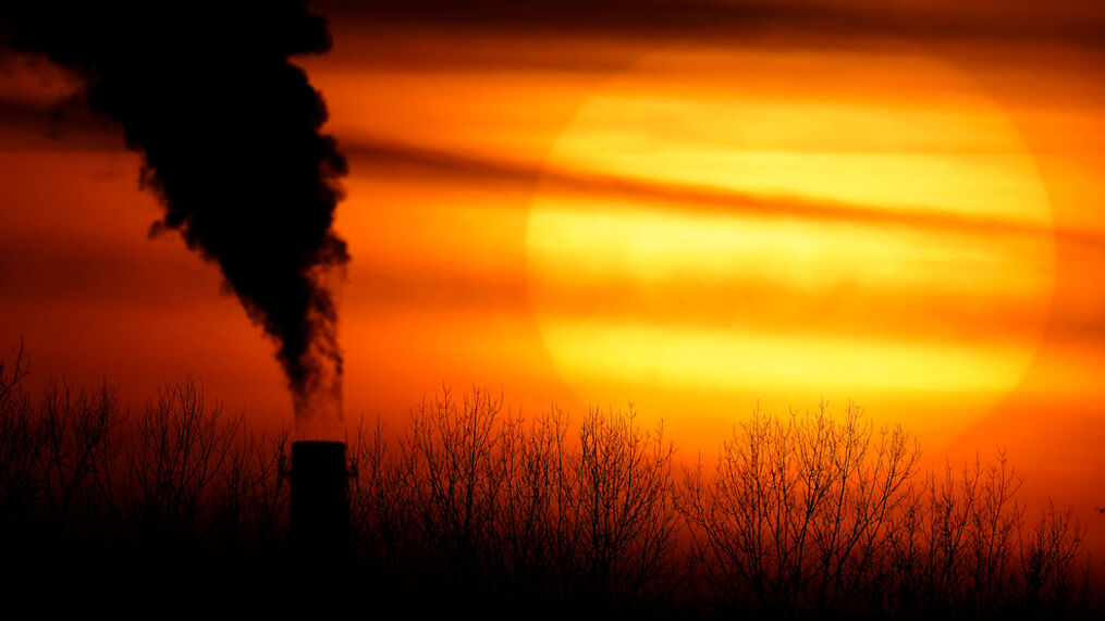 FILE - Coal plants in Maryland, Pennsylvania and Ohio to shut down (AP Photo/Charlie Riedel, File)