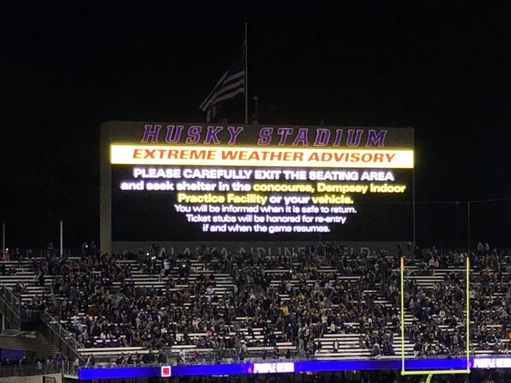 Thunderstorms delay UW football game (Photo: Steve McCarron / KOMO News)