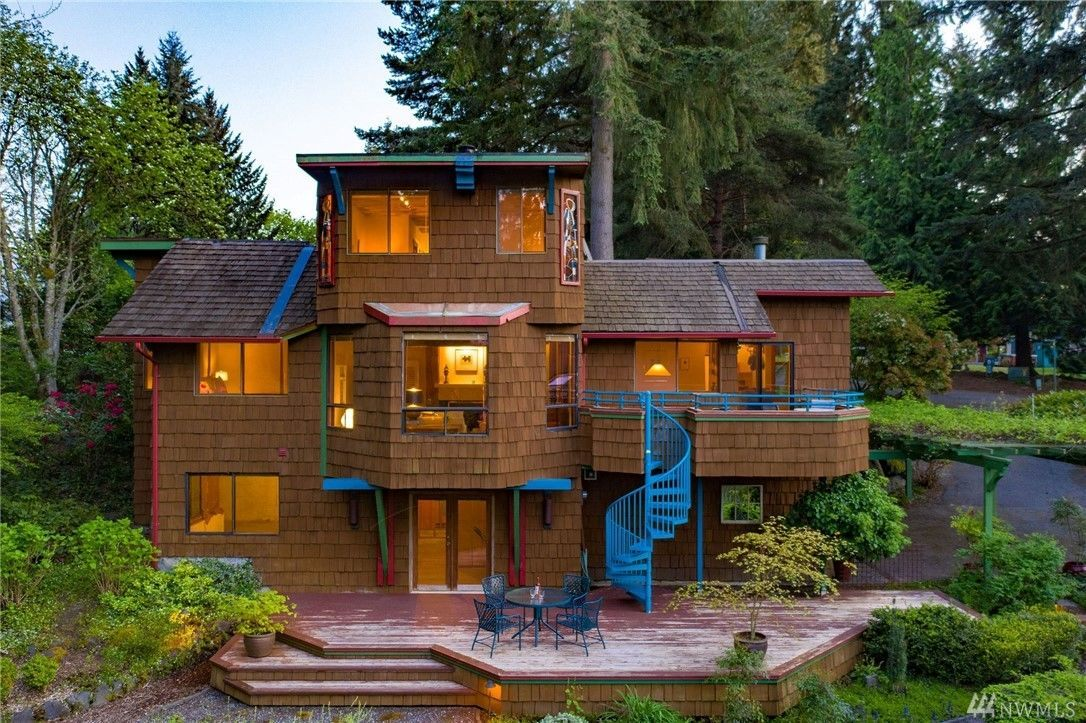 "The Original Funky House (also known as The Heart House) in Kirkland can be yours for $1.2 million. Built in 1974 by George Reynoldson and his company, Space Time Homes, this house has been preserved in its mostly original state for the past 40+ years — and it also has a musical tie to Seattle's rock and roll scene. Nancy Wilson, of the band Heart, owned the home until 1984 when it sold to its current owners. It's marked with a heart above the front door as a tribute to the band. Located on the banks of Hidden Hills Pond, The Heart House is being sold by Lake & Company, and comes in at 2,490 square feet, three bedrooms, 1.75 baths, a spacious living space, view decks and a Certified Backyard Wildlife Habitat.{&nbsp;}<a  href=""http://www.lakere.com/listing/1601918-11410-ne-103rd-st-kirkland-wa-98033/"" target=""_blank"" title=""http://www.lakere.com/listing/1601918-11410-ne-103rd-st-kirkland-wa-98033/"">More info online.</a>{&nbsp;}(Image: Luca Sforza / Lensit Studio)"