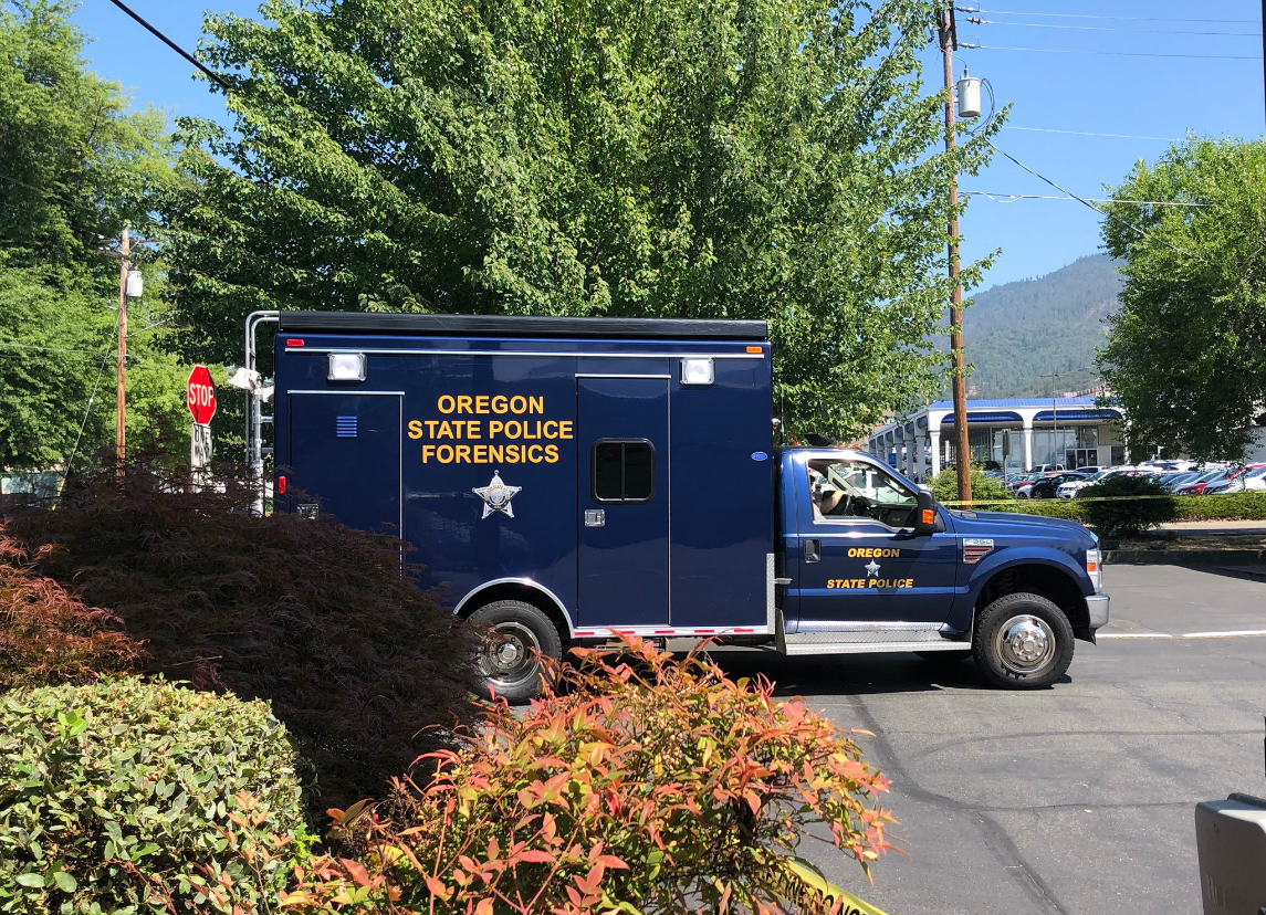 An Oregon State Police Forensics truck arrives at the Oregon State Police offices in Grants Pass. (Carsyn Currier/News 10)