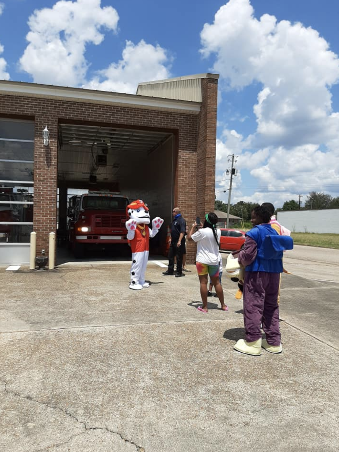 First responders make a young cancer survivor's wish come true in Daleville, Alabama, on August 10, 2020. (Courtesy:{ }Daleville Department of Public Safety)