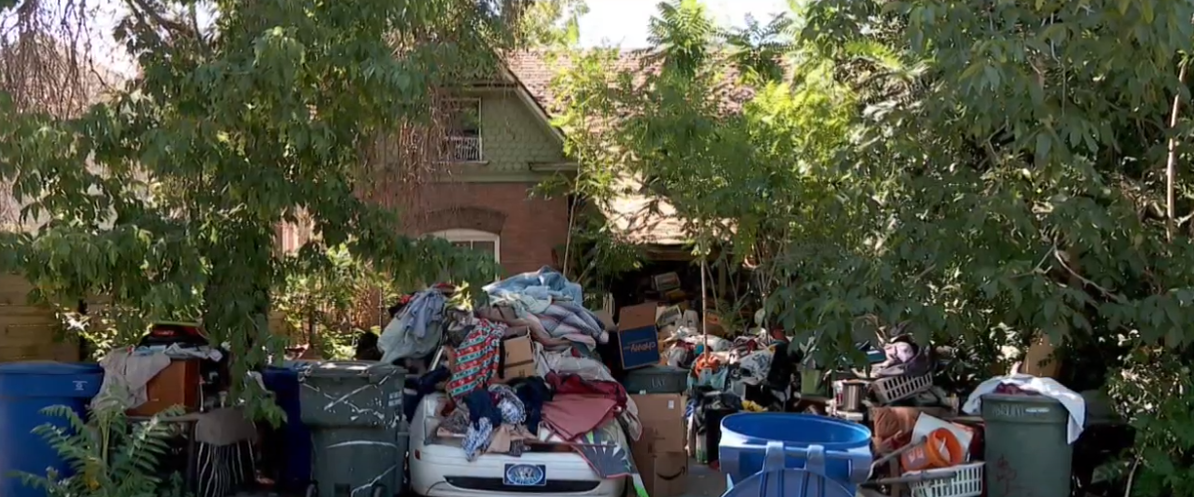 Monday and Tuesday, Salt Lake City crews removed large piles of garbage from a home near 800 East and 200 South. It's a massive job. (Photo: KUTV FILE)