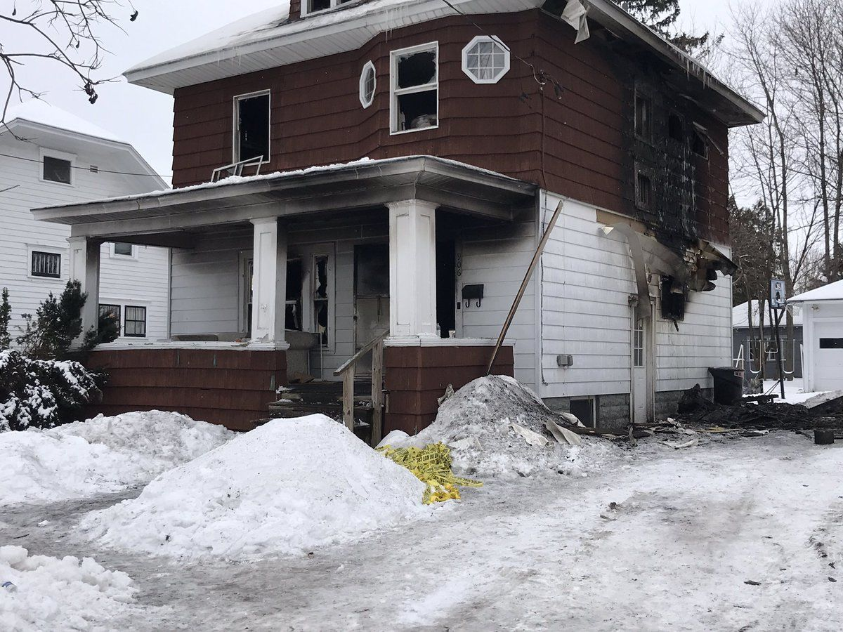 2 children, 1 adult killed in early-morning house fire in Watertown (CNYCentral's Tarrah Gibbons)