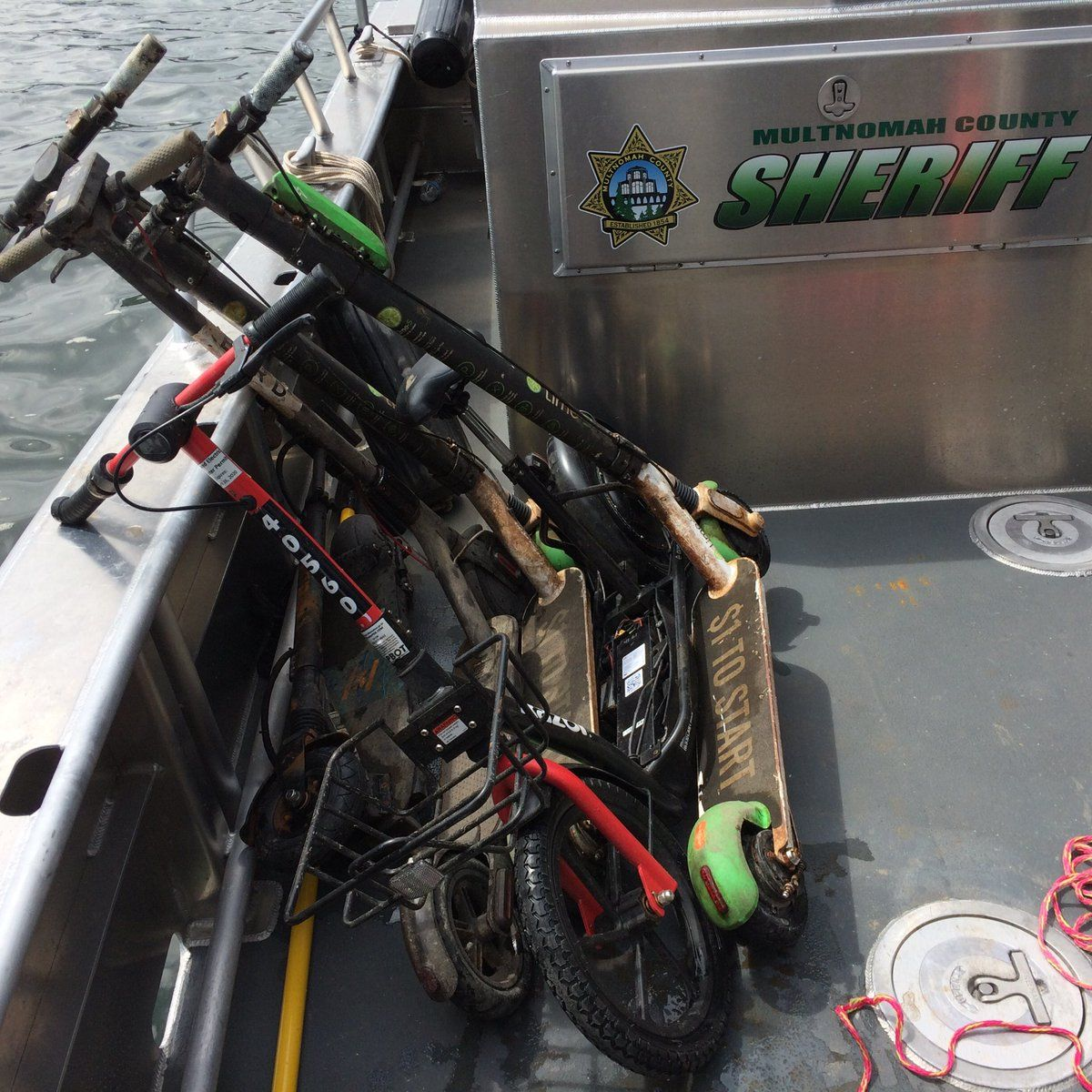 River Patrol Dive Team recovers e-scooters while cleaning Willamette River sea wall - Multnomah County Sheriff's Office photo