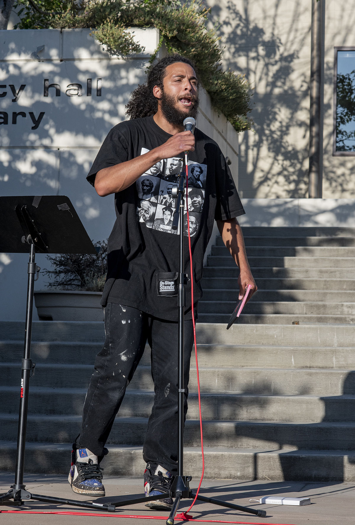 "About 250 people gathered at the Springfield, Oregon, library for what was billed as an All Lives Matter rally Friday at 7 p.m. About a dozen counter protesters also attended. The main speaker, Marcus Edwards, spoke for nearly an hour and said, ""It's a bunch of patriots getting together. I want to emphasize this is not against Black Lives Matter. We want to be inclusive of everyone. Because we feel Black Lives Matter has caused a lot of hatred. We feel they are a Marxist organization that doesn't represent Black Americans or the people at large. We feel that the mainstream media isn't giving us a fair voice, that any Trump supporter by the corporate controlled media is being demonized as racist, hateful, and so on. So we want to get together and say, hey, America is not as divided as they say it is. All power to all people. We agree Black Lives Matter. We also believe all lives matter."" The event was mostly peaceful, although a couple of minor scuffles broke out and one man was taken into custody by the Springfield police. By 9:30 p.m. both the protesters and the counter protesters dispersed. Photo by Dan Morrison"