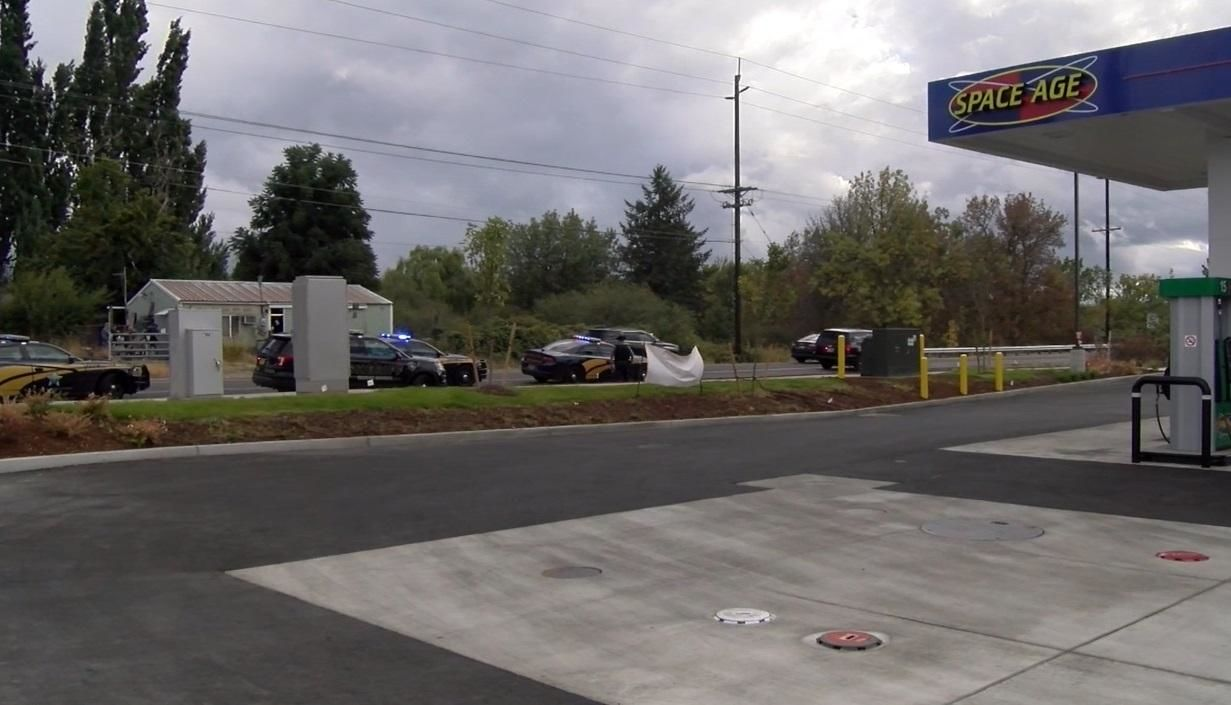 Suspect caught at Salem-area Space Age gas station - Image courtesy Jerry Freeman - 1.jpg