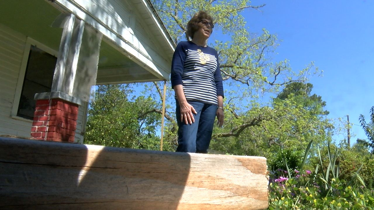 Hope 4 NC is doing its part to help Hurricane Florence victims like Annette Canady move forward from their losses. (Kate Hussey, NewsChannel 12 photo).