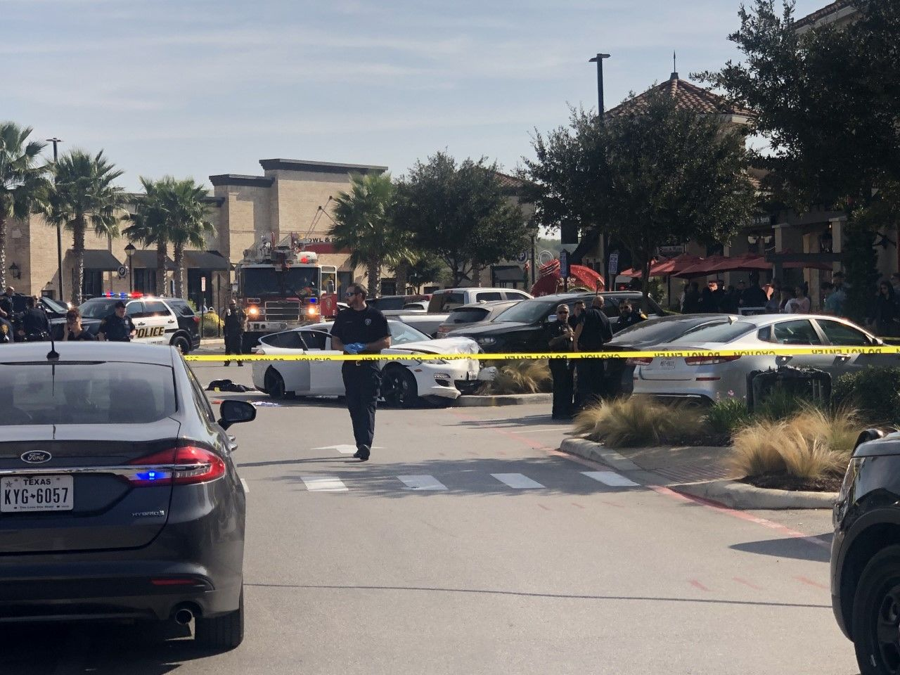 A shooting broke out at a popular Texas shopping center Sunday around noon, leaving one man seriously injured as his son witnessed the entire thing. (Photo: WOAI)