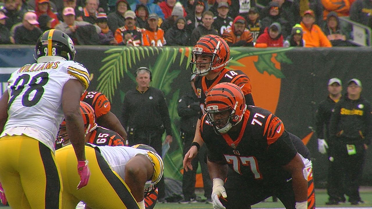 Bengals offensive lineman Cordy Glenn blocking in a game against the Pittsburgh Steelers during the 2018-19 season. (WKRC)