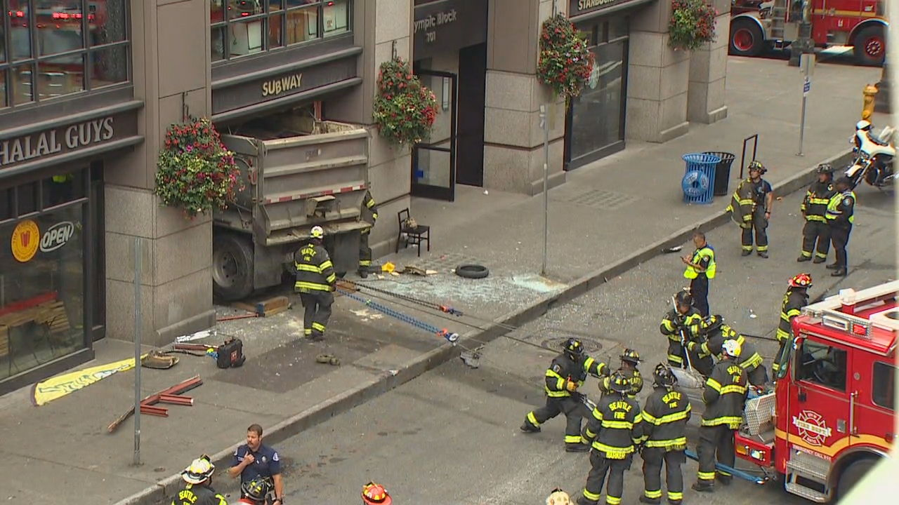 Careening dump truck leaves trail of destruction in Pioneer Square (KOMO News){&nbsp;}<p></p>