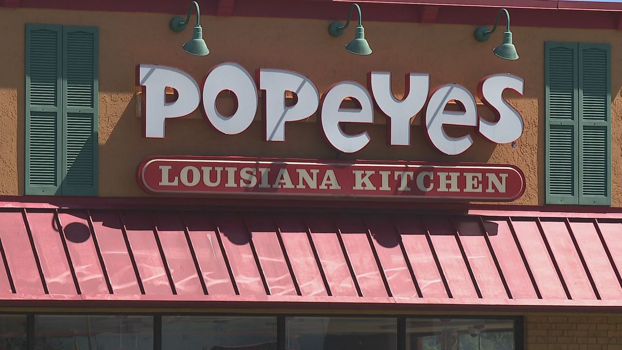 <p>Popeyes Chicken is experiencing sell outs of their new chicken sandwich. (Image: WTVC)</p>
