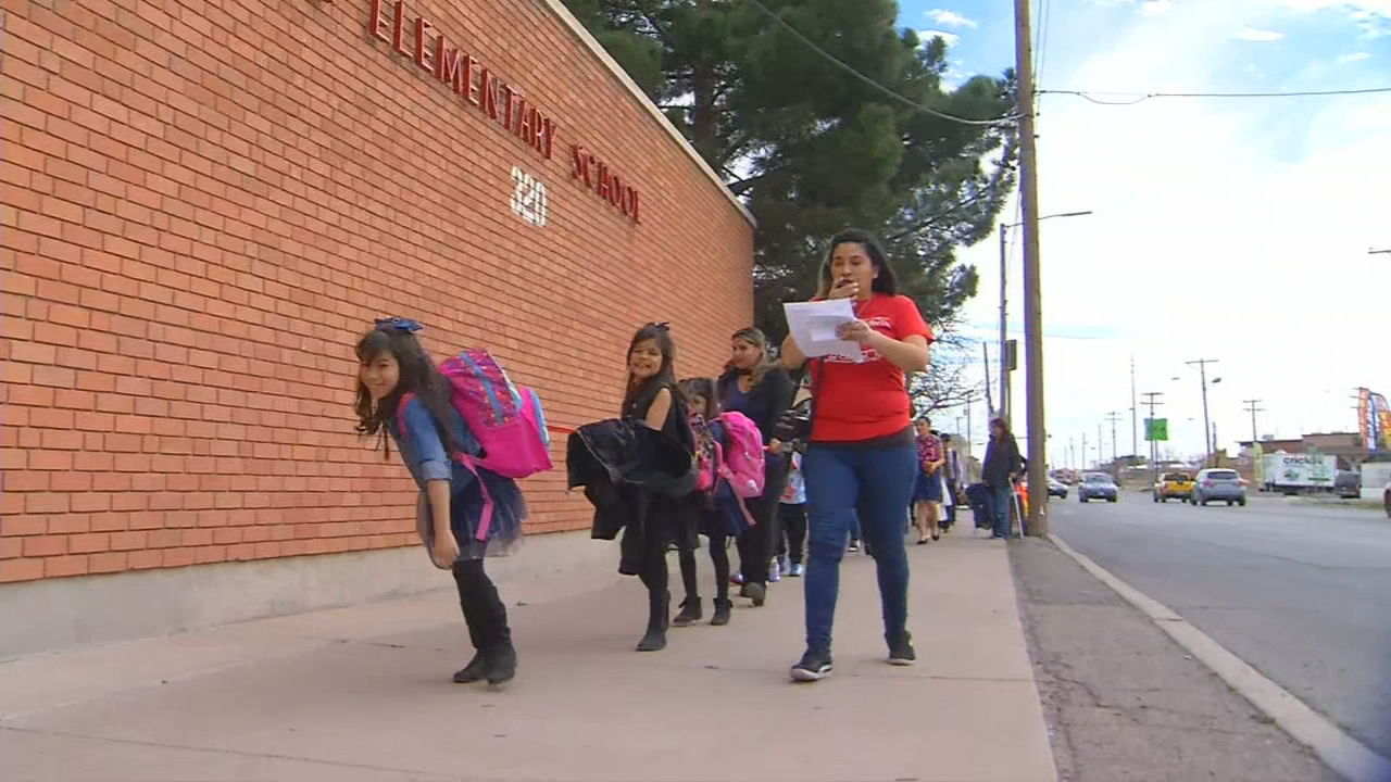Beall Elementary parents continue fighting against EPISD for closing their school<p></p>