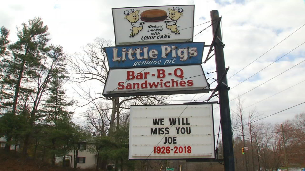 <p>Joe Swicegood, the owner of Little Pigs Barbecue, passed away Thursday at the age of 91. He was laid to rest on Monday. (Photo credit: WLOS Staff)</p>