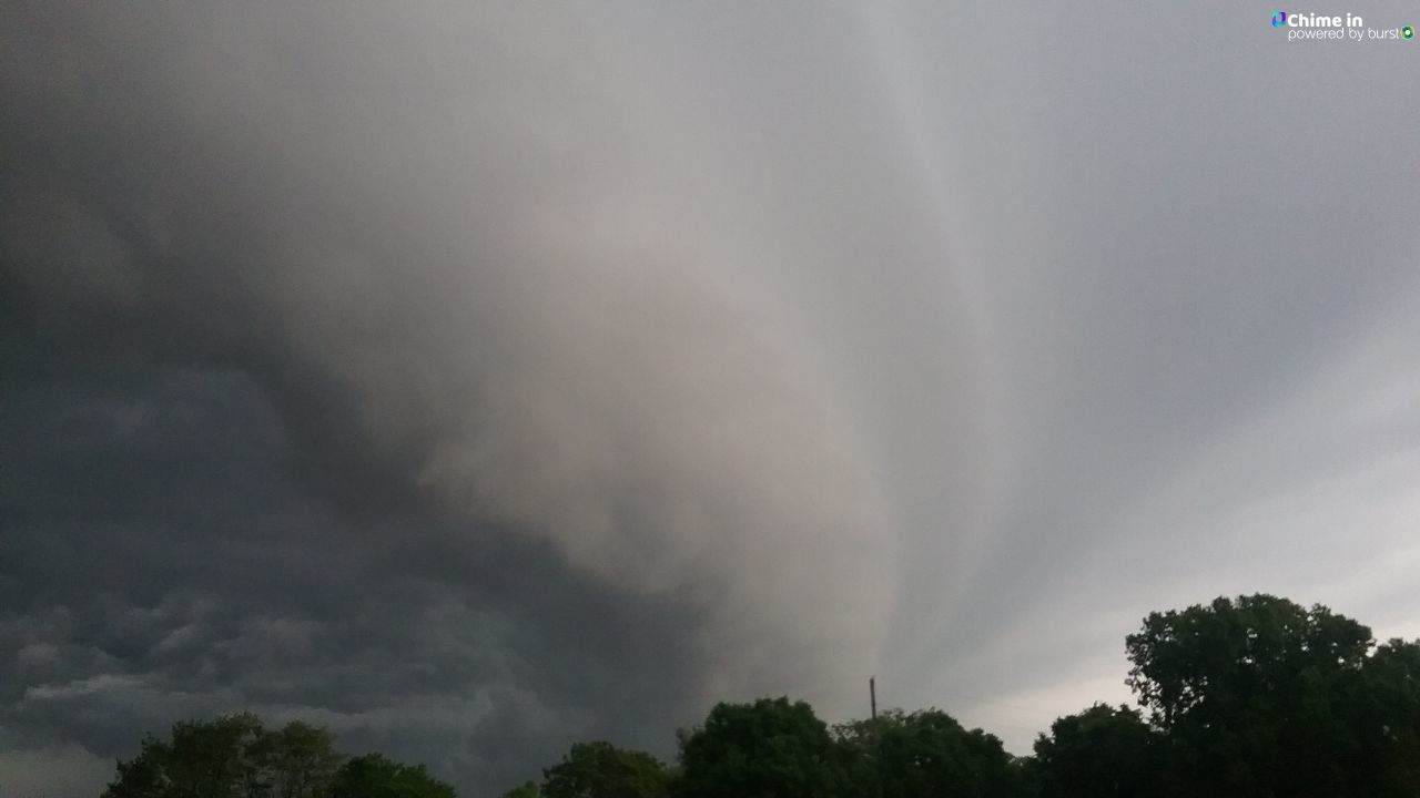 Storm clouds rolling through Hamilton City this morning from Michele Halcomb