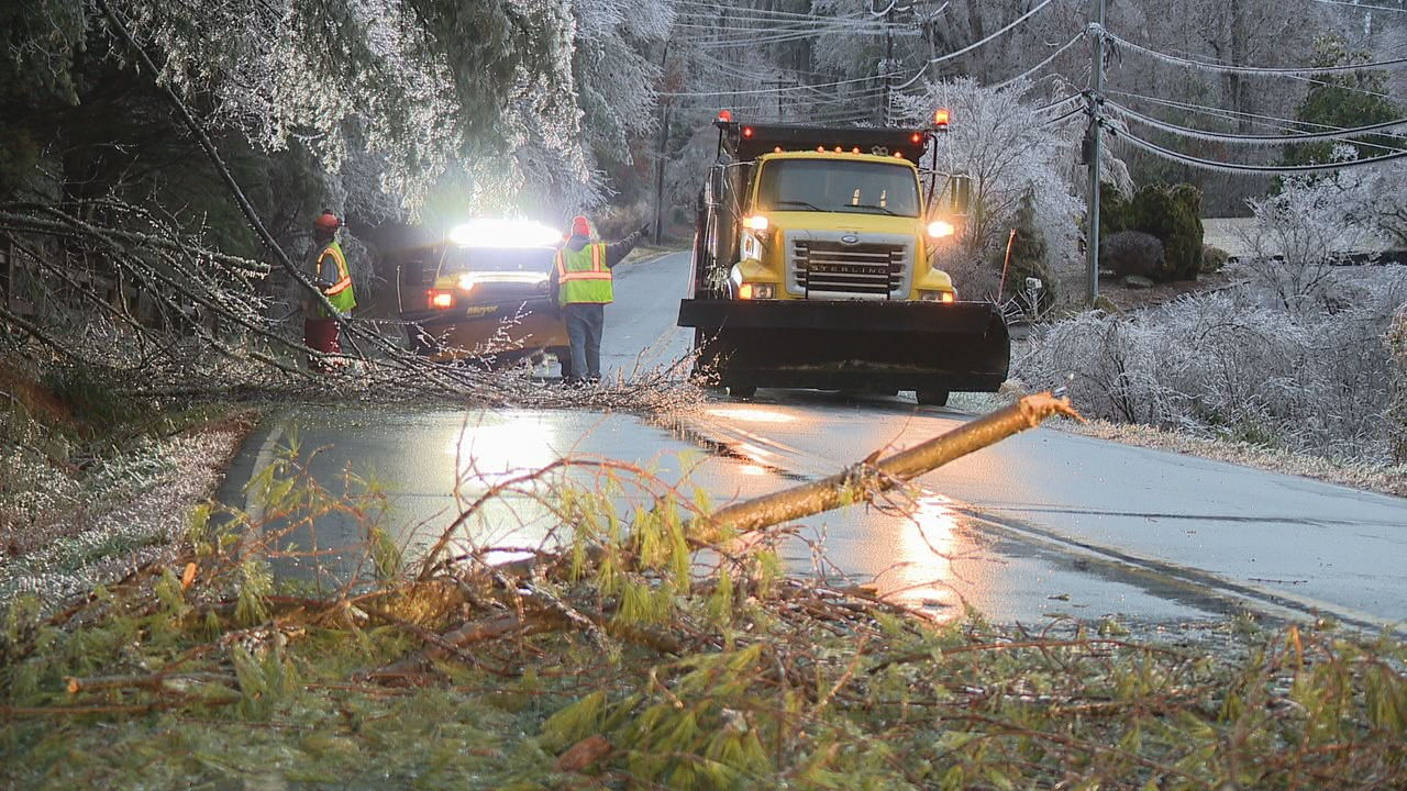 Thousands spent part of Saturday night and the early morning hours Sunday without electricity after a storm brought ice, snow and rain to Western North Carolina. (Photo credit: WLOS staff)