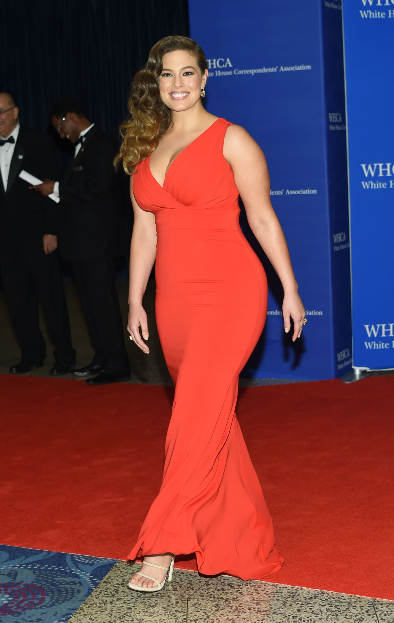 Ashley Graham arrives at the White House Correspondents' Association Dinner at the Washington Hilton Hotel on Saturday, April 30, 2016, in Washington. (Photo by Evan Agostini/Invision/AP)