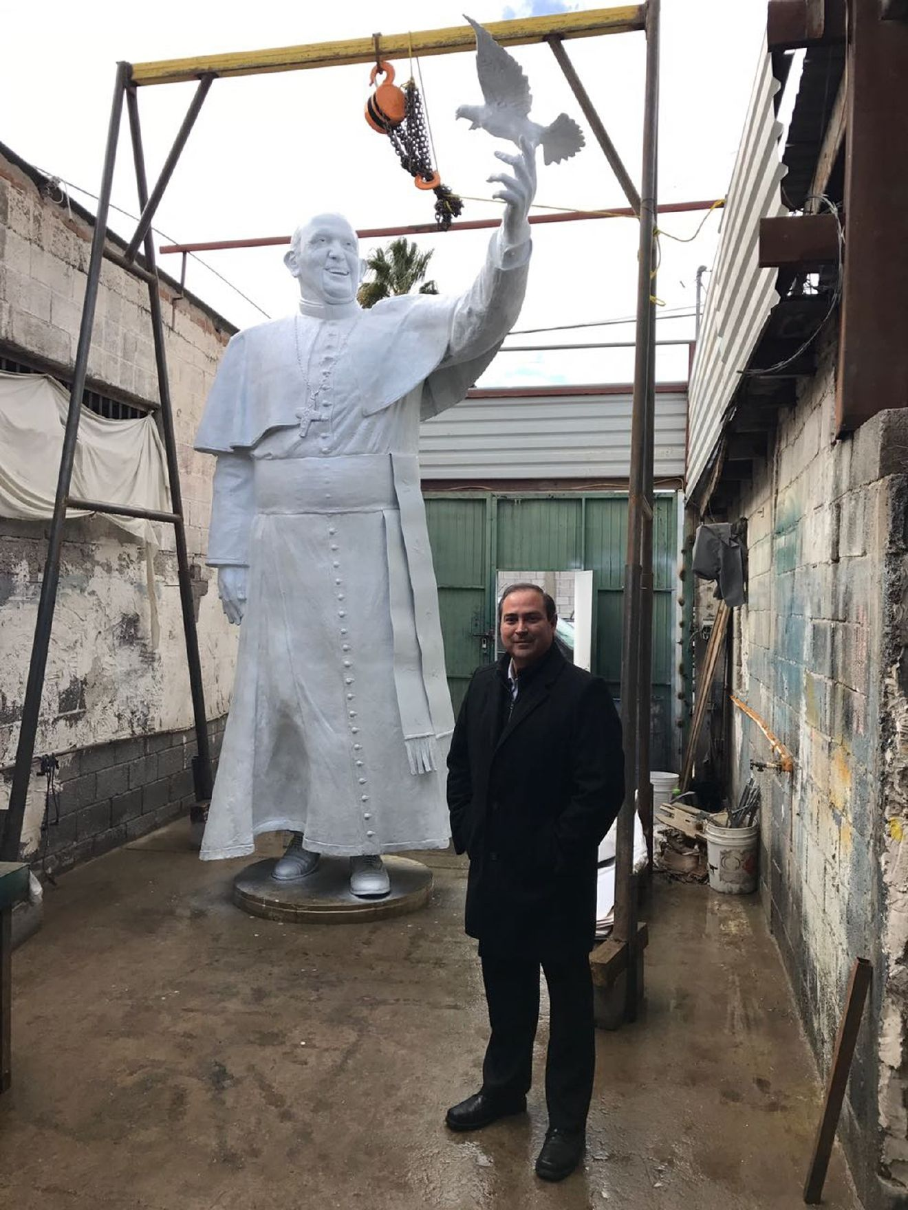 A massive statue of Pope Francis built by Juarez sculptor Pedro Francisco will be unveiled at 'El Punto' during a mass commemorating the pope's visit. (Courtesy: Salvador Perches)