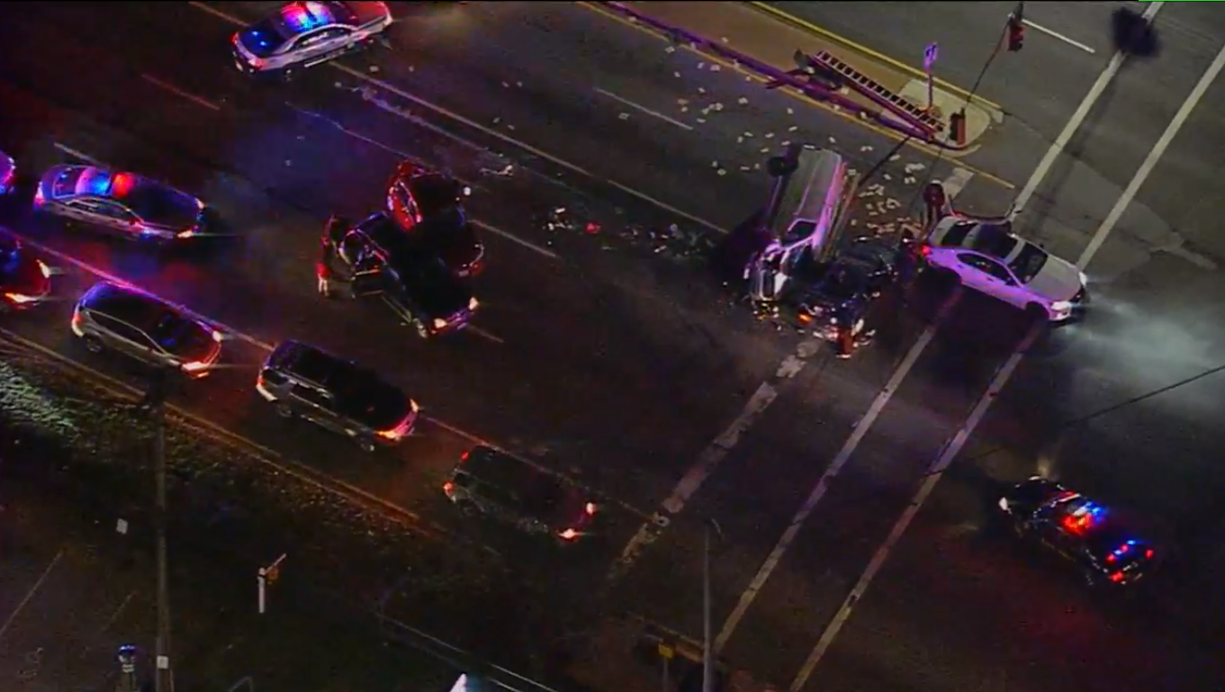 Multi-vehicle crash reported on Indian Head Highway in Prince George's County (SkyTrak7)