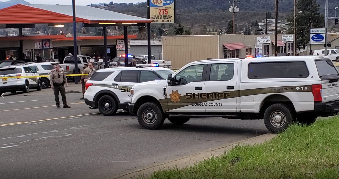 "<p>{&nbsp;}Police responded to a shooting in the parking lot of the Budget 16 Motel on Stephens Street Monday afternoon. Roseburg Police said ""several"" people were being treated for gunshot wounds at Mercy Medical Center in Roseburg after the shooting. (SBG)</p>"