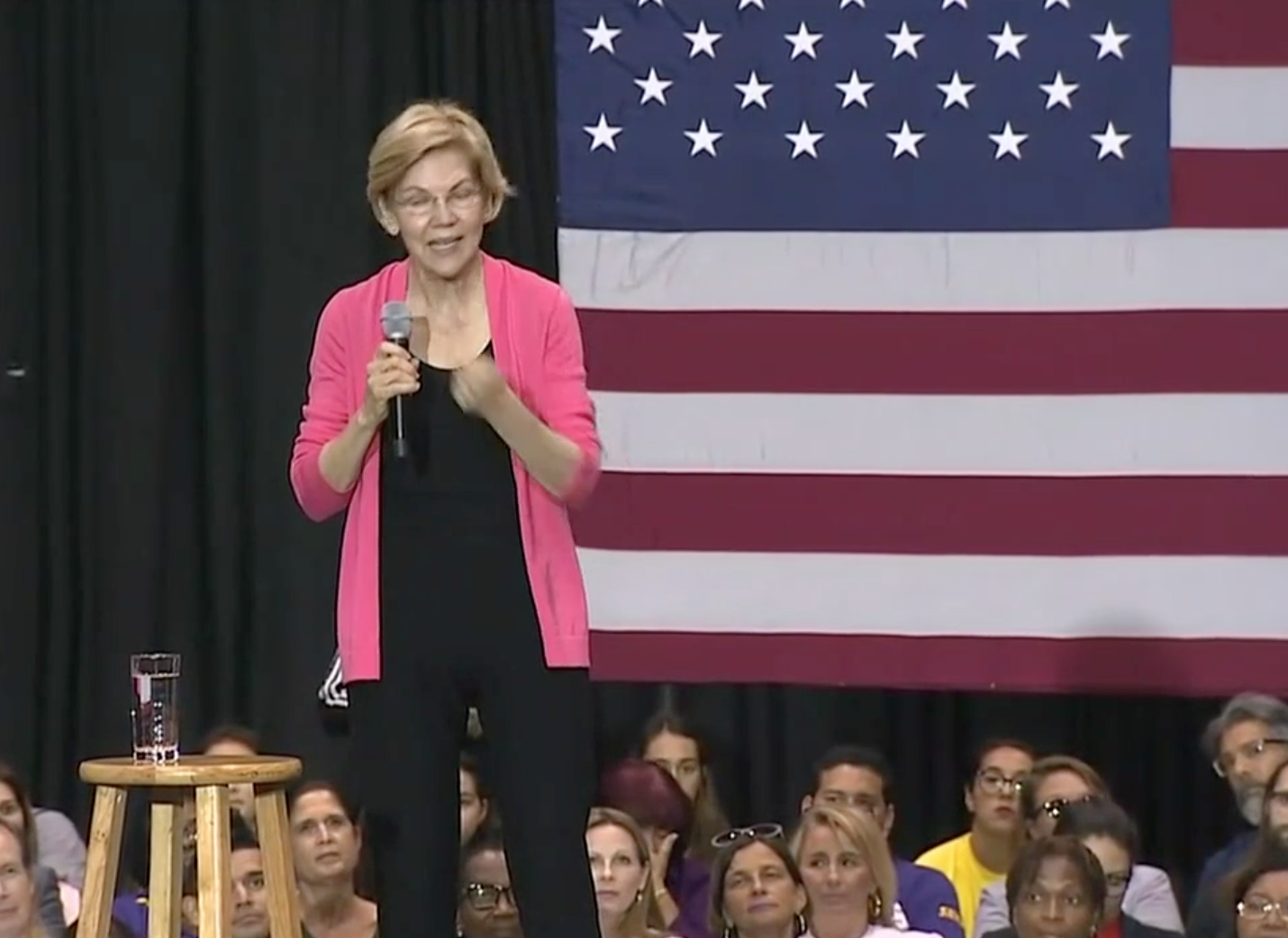 Watch: Elizabeth Warren holds a town hall in Florida (CNN Newsource)