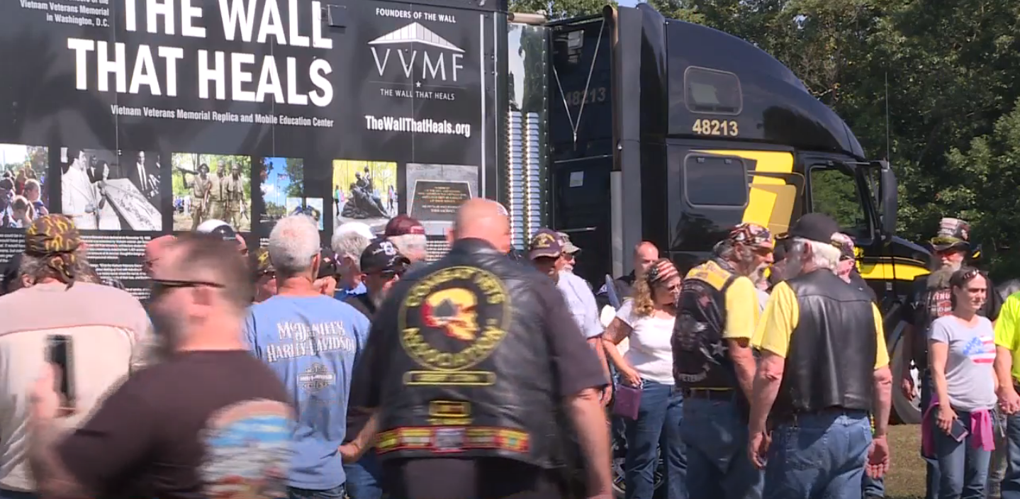 Vietnam memorial wall replica to be set up in South Bend. // WSBT 22