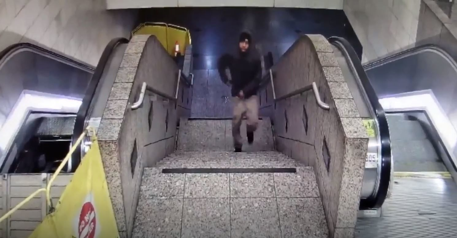 Surveillance video of suspect from deadly Westlake Station shooting (Video: Seattle Police Department)