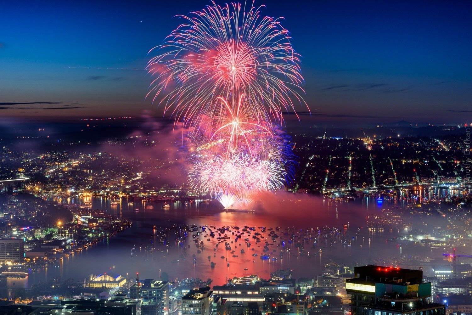Seattle fireworks, July 4, 2017 - Tim Durkan Photography