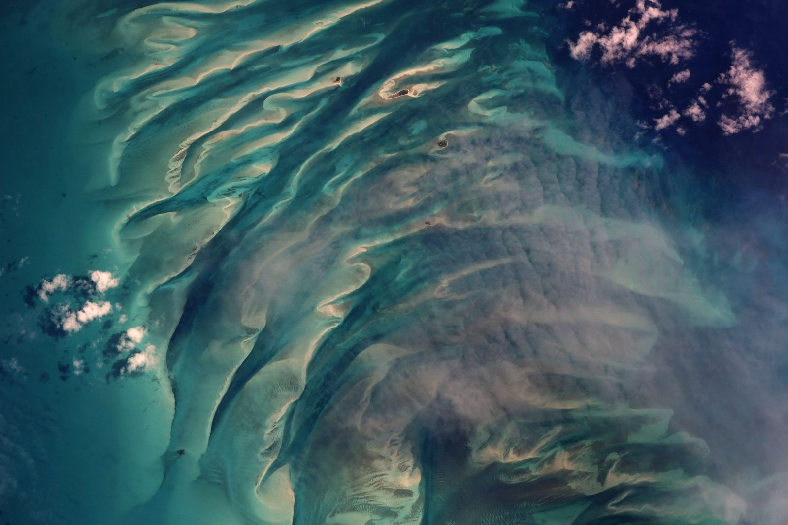 The glorious banks and cays of #Eleuthera #Bahamas (Photo & Caption Ricky Arnold, NASA)