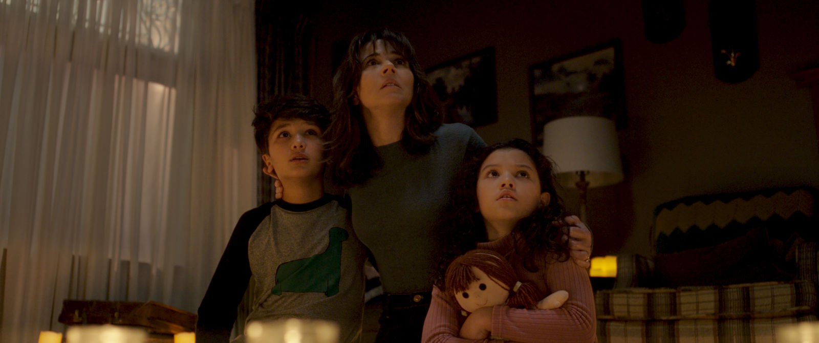 "(L-R) ROMAN CHRISTOU as Chris and LINDA CARDELLINI as Anna Tate-Garcia and JAYNEE LYNNE KINCHEN as Samantha in New Line Cinema's horror film ""THE CURSE OF LA LLORONA,"" a Warner Bros. Pictures release. (Photo: Warner Bros.)"