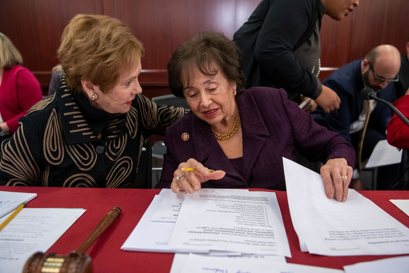 Rep. Kay Granger, R-Texas, left, ranking member of the House Appropriations Committee, speaks with Appropriations Chair Nita Lowey, D-N.Y., as a bipartisan group of House and Senate bargainers finished their first meeting to craft a border security compromise in hope of avoiding another government shutdown.  (AP Photo/J. Scott Applewhite)