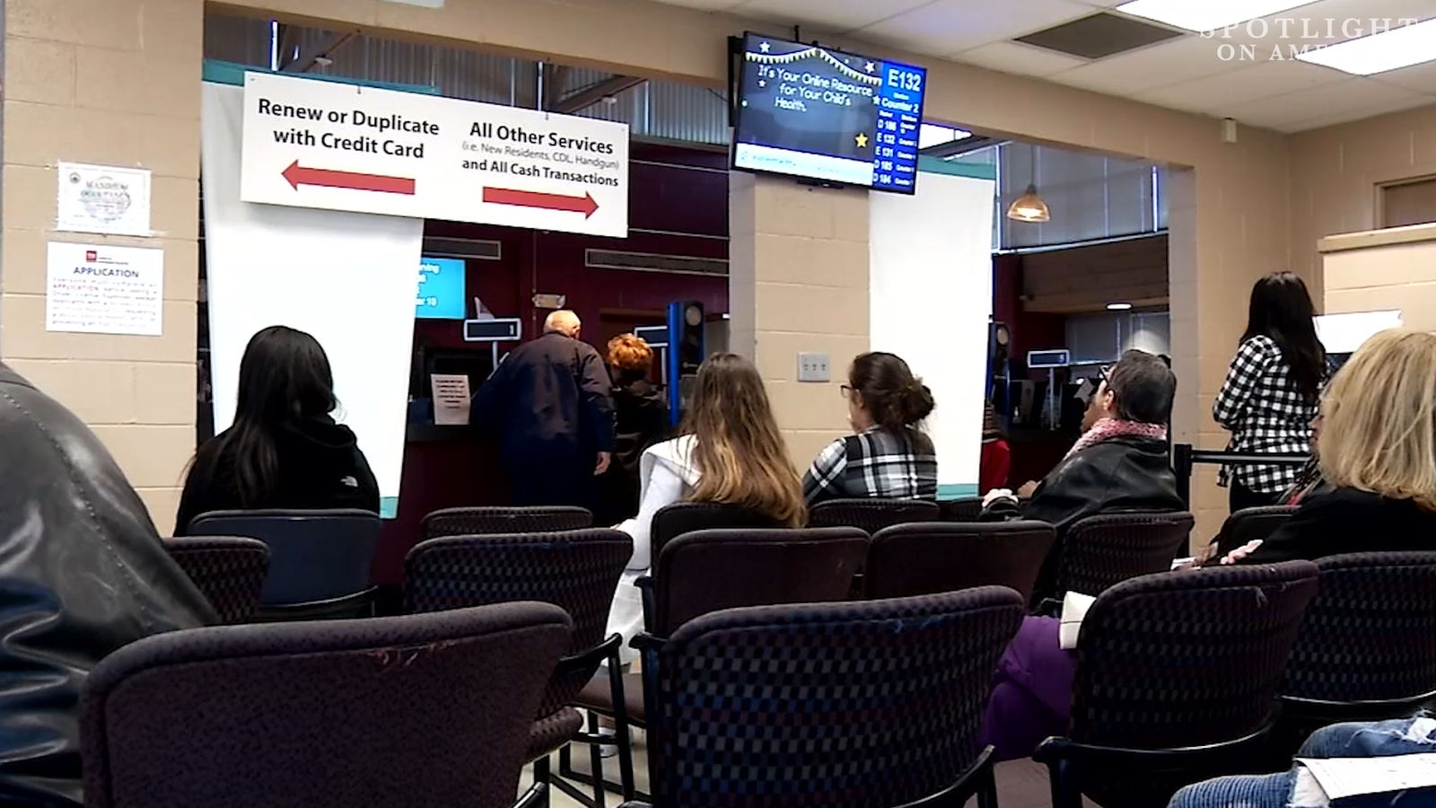 People wait for their numbers to be called in a Tennesssee Driver Services facility (Photo: FOX17 Nashville)