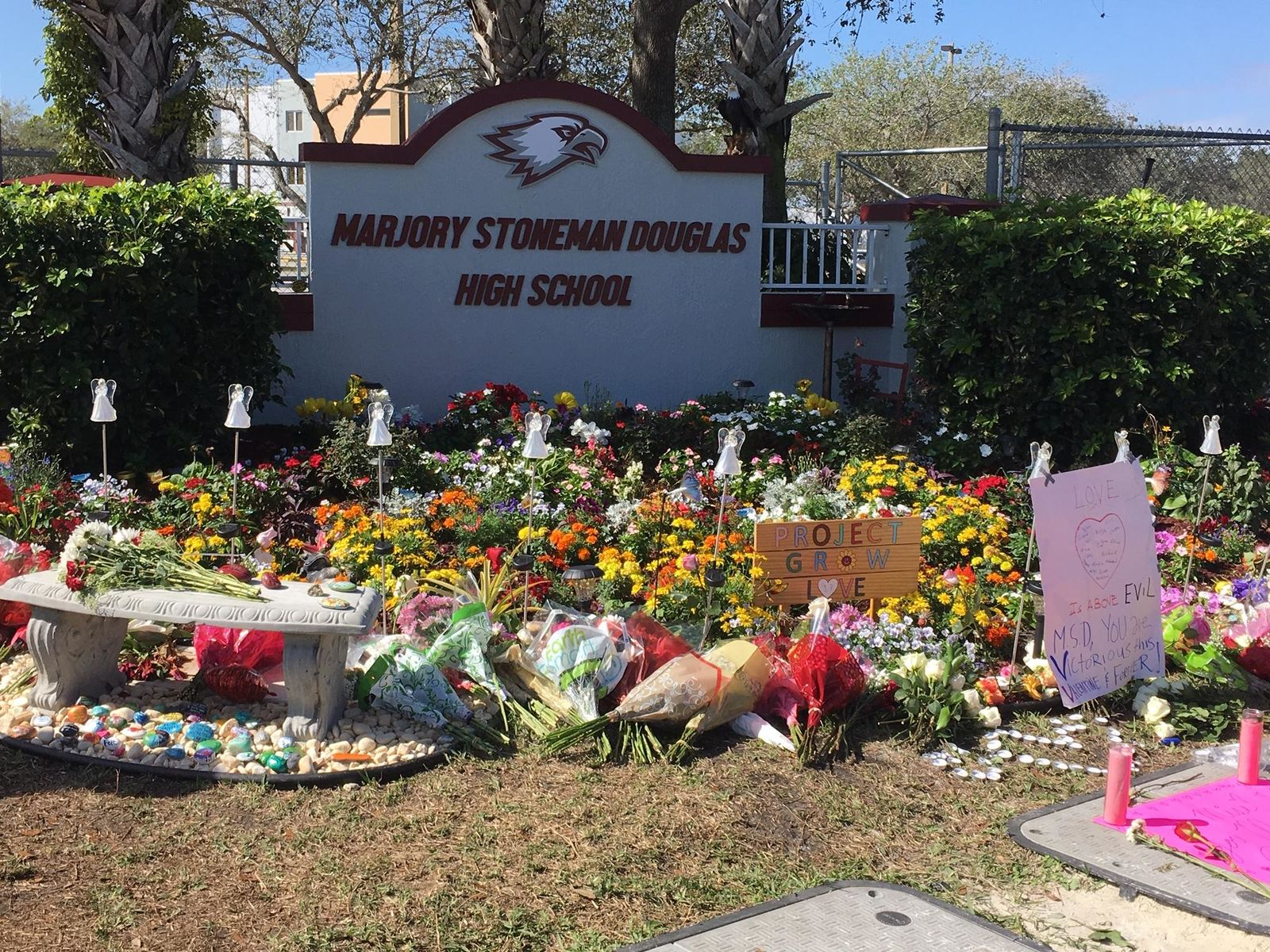 Memorial in Parkland for the shooting victims. (WPEC)
