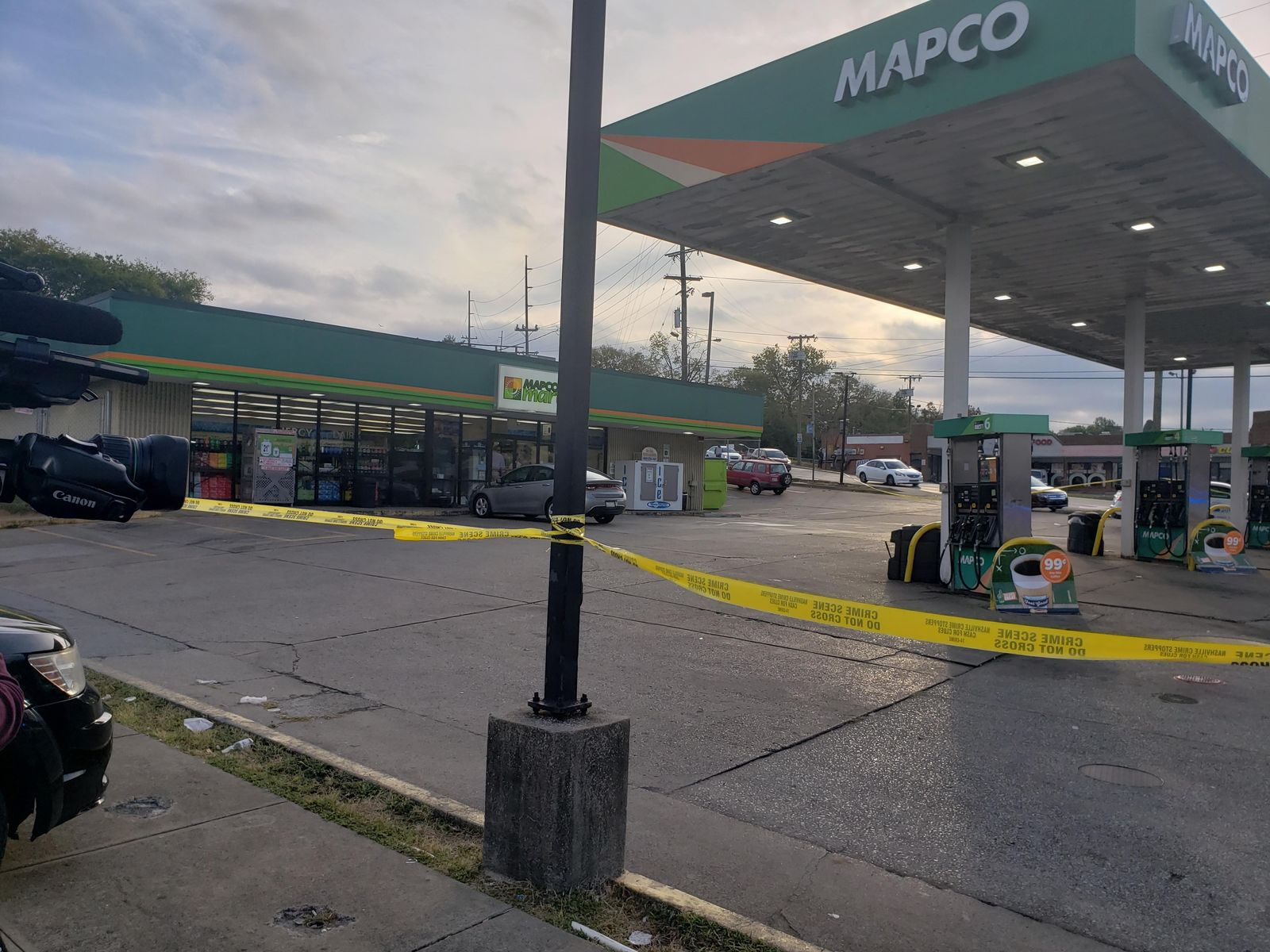 Deadly stabbing investigation underway after victim found at south Nashville gas station (FOX 17 News)