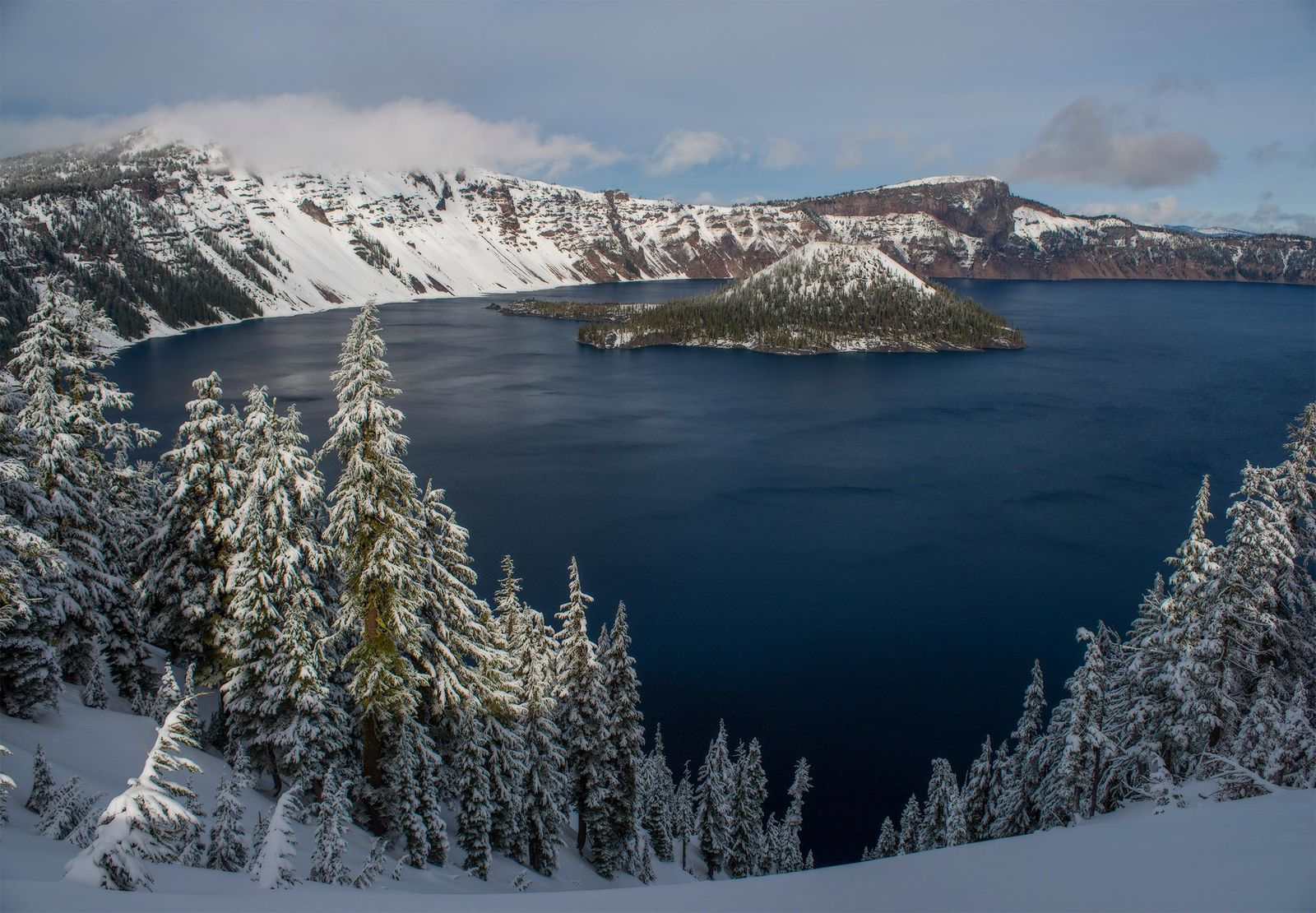 Crater Lake National Park - Photo by Tristan Fortsch on January 16, 2018.