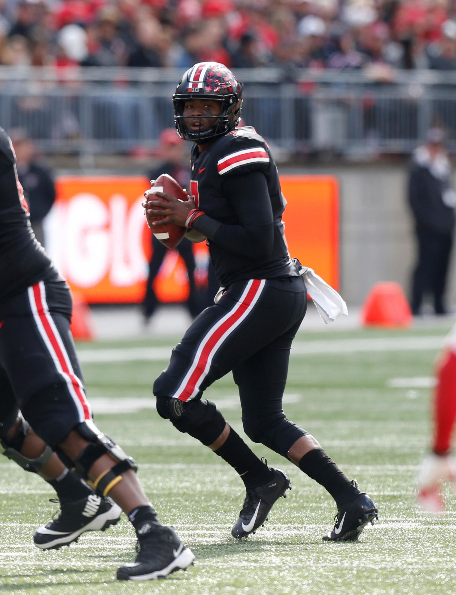 Ohio State to wear black uniforms against Michigan State ...