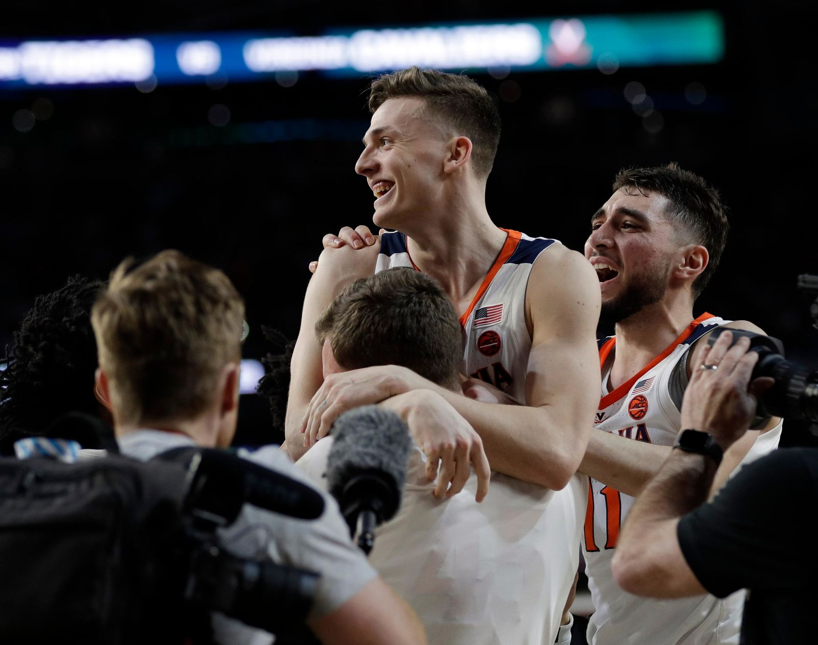 Virginia's Kyle Guy celebrates after defeating Auburn 63-62 in the semifinals of the Final Four NCAA college basketball tournament, Saturday, April 6, 2019, in Minneapolis. (AP Photo/David J. Phillip)
