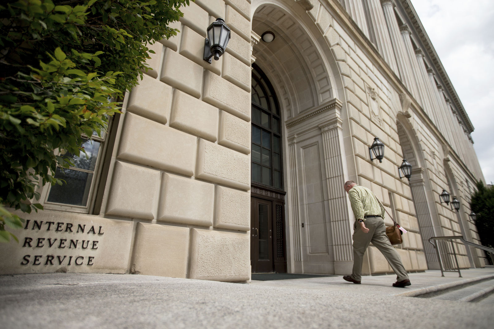 FILE- In this Aug. 19, 2015, file photo the Internal Revenue Service Building in Washington. (AP Photo/Andrew Harnik, File)