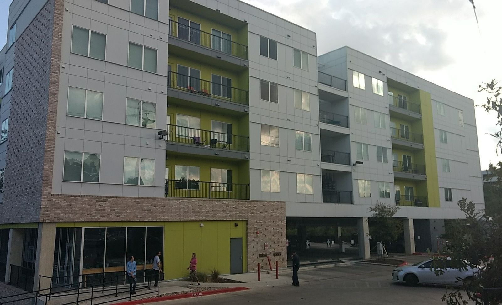 The San Marcos Fire Marshal has issued a mandatory evacuation of an apartment complex Friday. The City of San Marcos said that safety concerns regarding building stability and means of egress prompted the evacuation order of the Vie Lofts at 817 Chestnut Street. (Photo courtesy: City of San Marcos)