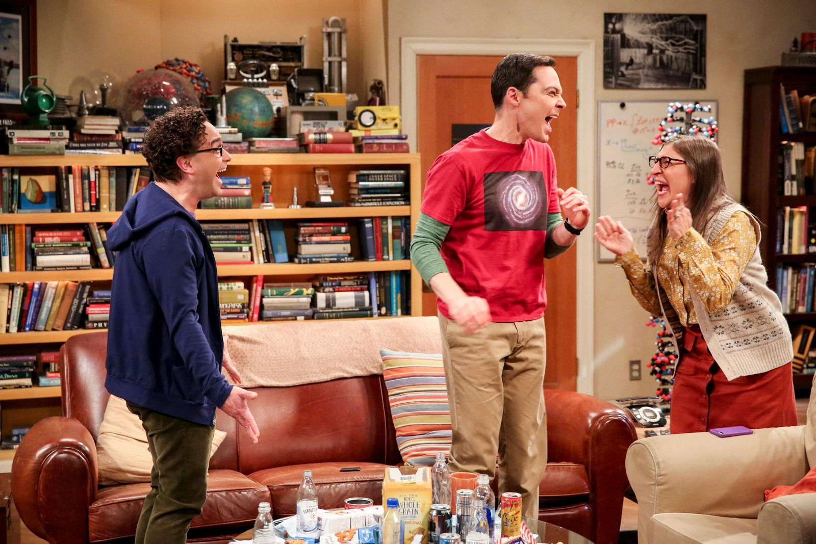 "This photo provided by CBS shows Johnny Galecki, from left, Jim Parsons and Mayim Bialik in a scene from the series finale of ""The Big Bang Theory,"" on the CBS Television Network. (Michael Yarish/CBS/Warner Bros. Entertainment Inc. via AP)"