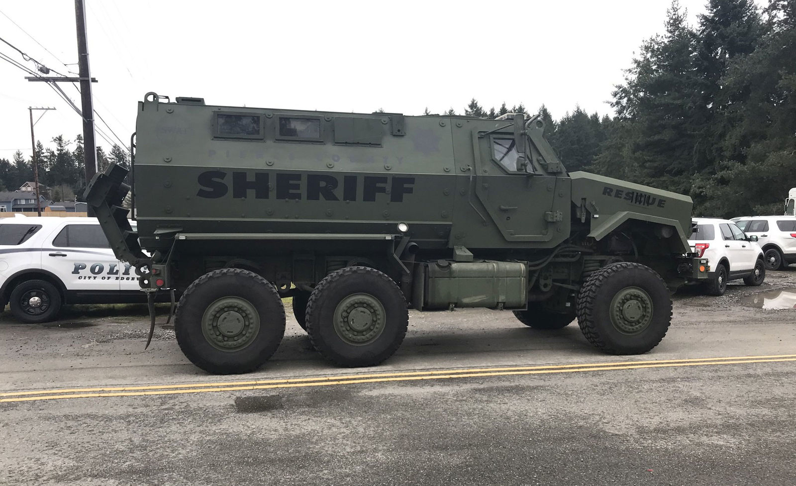 A SWAT team responds during the standoff outside a Graham-area home. (Photo: Pierce Co. Sheriff's Office)